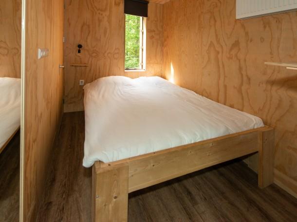 baumhaus doppelbett doppelzimmer bungalow camping geversduin holland