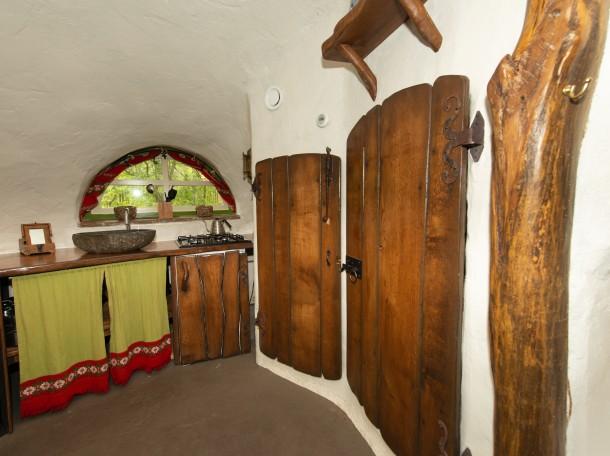 hobbithaus hobbit inneneinrichtung camping geversduin unterkunft holland