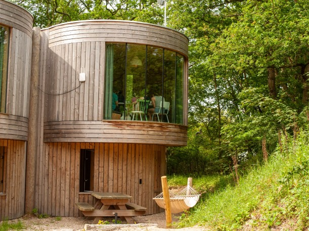 baumhaus bungalow unterkunft camping geversduin nord holland
