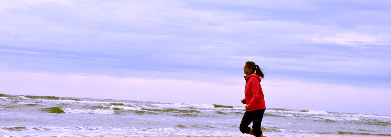 jogging frau sport sea beach