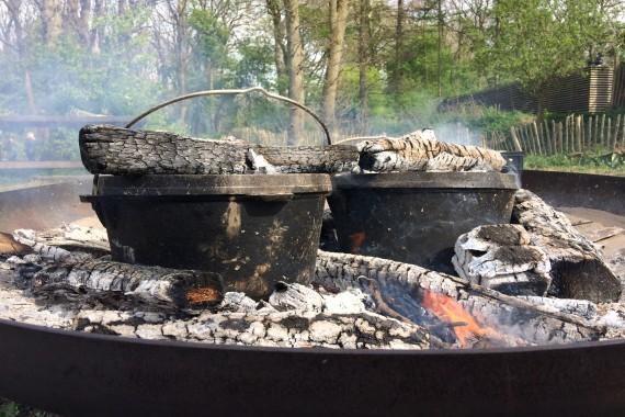 Activiteit; Koken op het Kampvuur.JPG