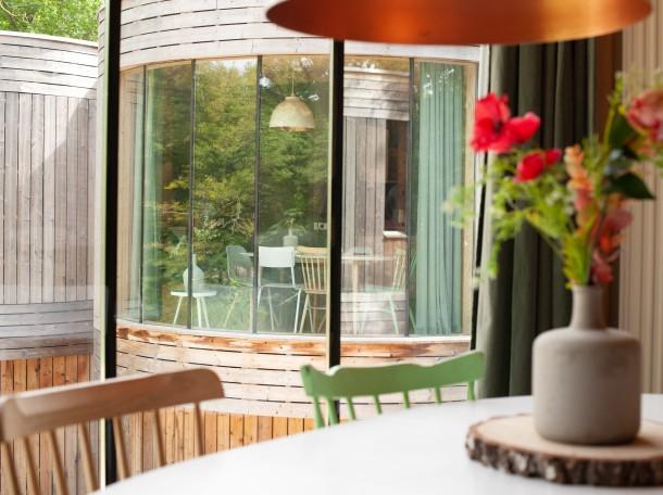 Baumhaus inneneinrichtung unterkunft geversduin camping holland